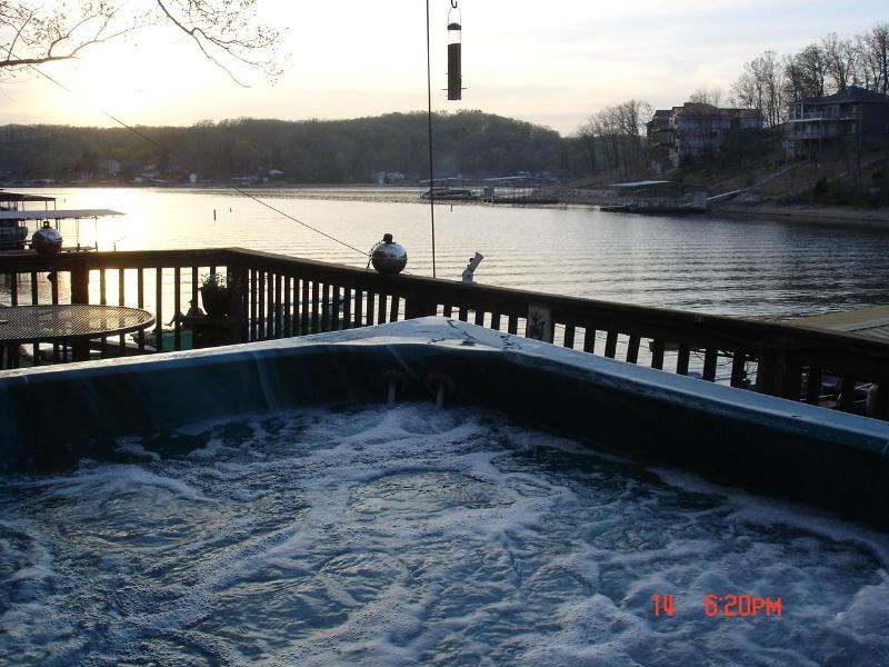 Hot Tub at the waters edge!! - ENJOY THE SUNSET IN THE SPA AT THE WATERS EDGE - Rocky Mount - rentals