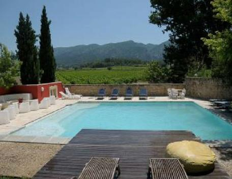 Holiday rental French farmhouses / Country houses Luberon (Vaucluse), 600 m², 6 400 € - Image 1 - Oppede - rentals