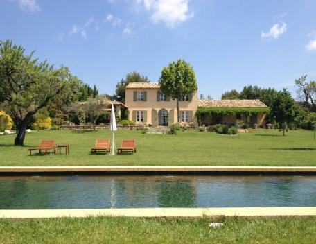 Holiday rental Villas Aix-en-Provence (Bouches-du-Rhône), 250 m², 5 200 € - Image 1 - Aix-en-Provence - rentals
