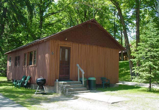 Outside - #5 Cabin Fever, Waterfront Central - Deer River - rentals