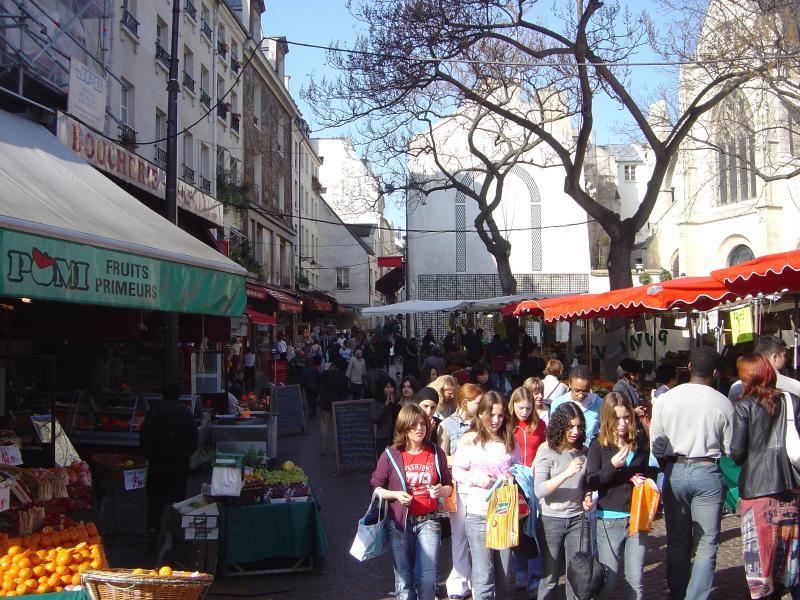 Daily fresh streetmarket (1mn from apt) - Paris-Mouffetard Market - Broca - 30% saving - - Paris - rentals