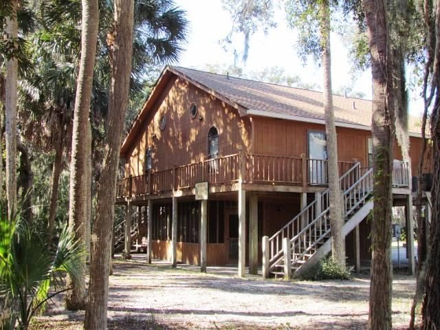 "209 Jungle Rd - ""Gyp Seas n' Palace"" - Image 1 - Edisto Beach - rentals"