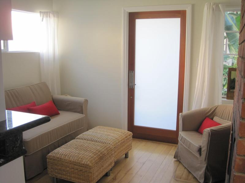 Bright & Airy by Day - Great Cottage, Centrally located, Walk Everywhere - West Hollywood - rentals