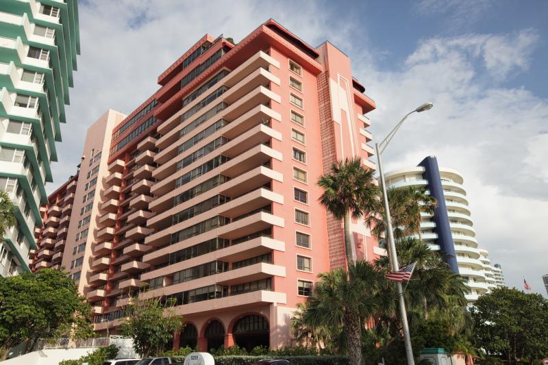 Exterior - Beautiful Apartment in Gorgeous Building-Suite 517 - Miami Beach - rentals