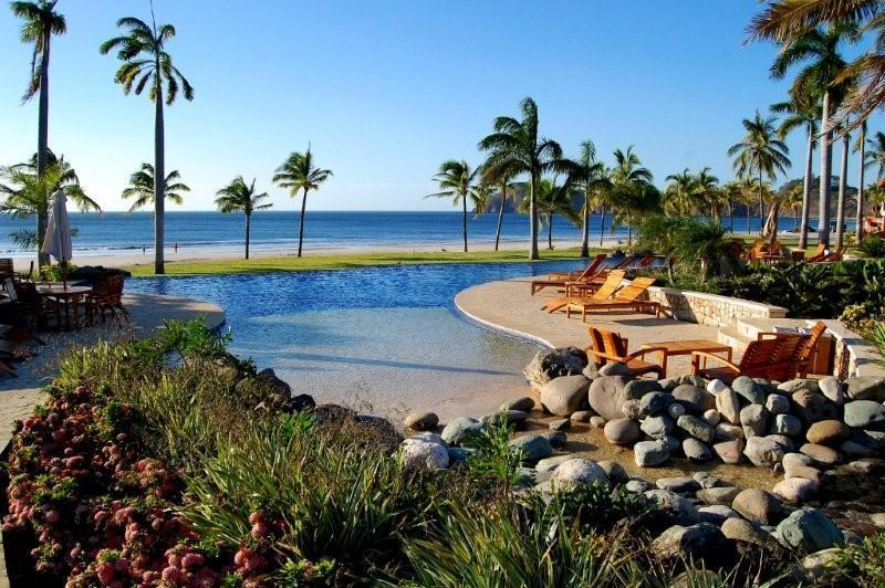 Pool area - Playa Flamingo- Gorgeous Beachfront Villa - Playa Flamingo - rentals
