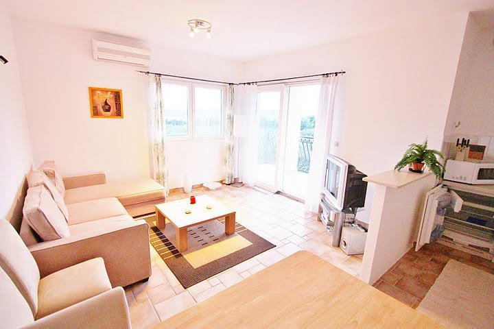 Villa Maslina - apartment Mikael - Image 1 - Cove Makarac (Milna) - rentals