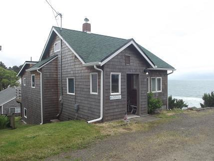 Gerties Cabin in Oceanside - Gertie's Cabin with unobstructed ocean views! - Oceanside - rentals