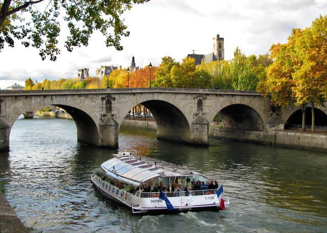 The Central Island is the Heart of Paris ! - Central Paris Island Apartment with Wifi - Paris - rentals