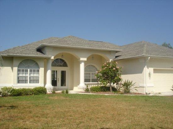 Lemon 6 - enormous pool, spa and childrens pool - Image 1 - Englewood - rentals