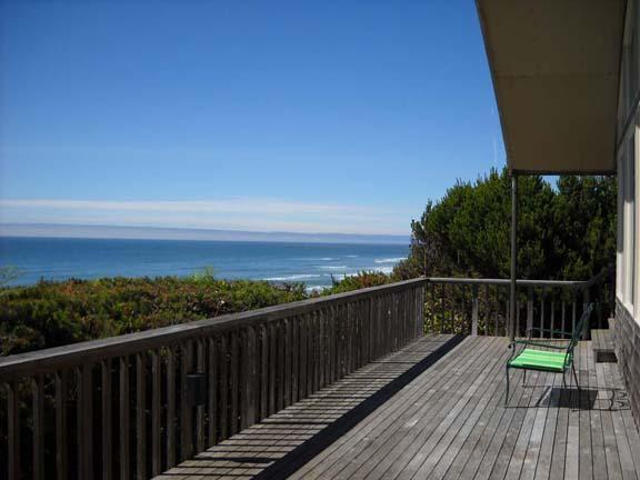 Large Deck and View of the Pacific Ocean - Breathtaking Views of the Pacific Ocean! - South Beach - rentals