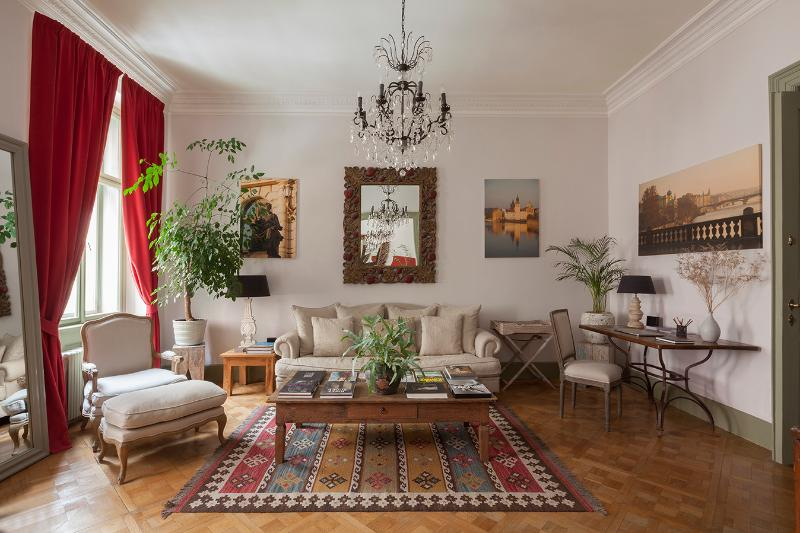 Living Room - Charming 2 Bed, 1 Bath House in Prague (No 46) - Prague - rentals