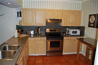C424 Kitchen 1 - Fantastic 1800 Atlantic Penthouse - C424 - Key West - rentals