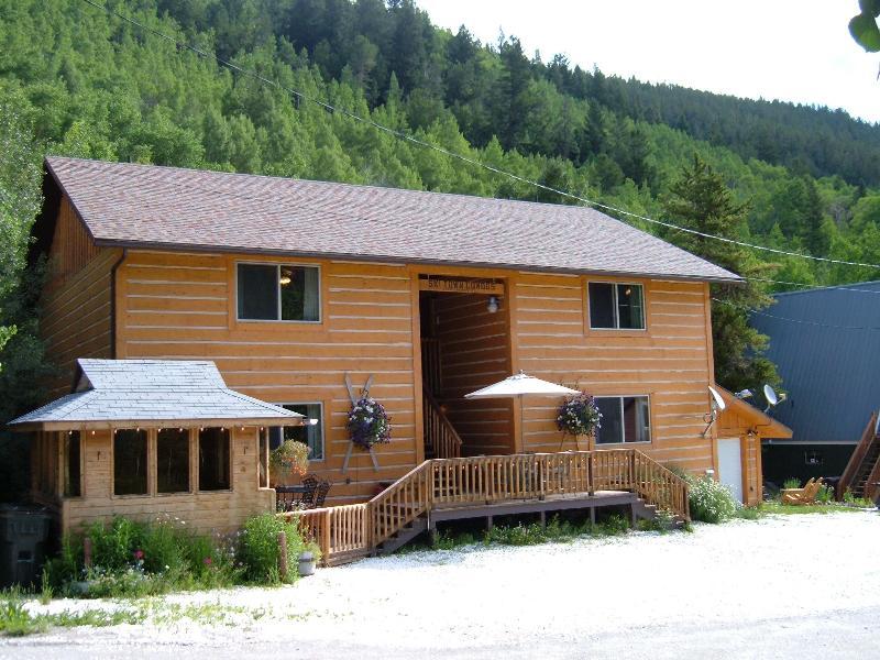 Enjoy more for your money at Ski Town Condos vs hotels! - Ski Town Condos Vacation Rental,  Monarch Colorado - Monarch - rentals