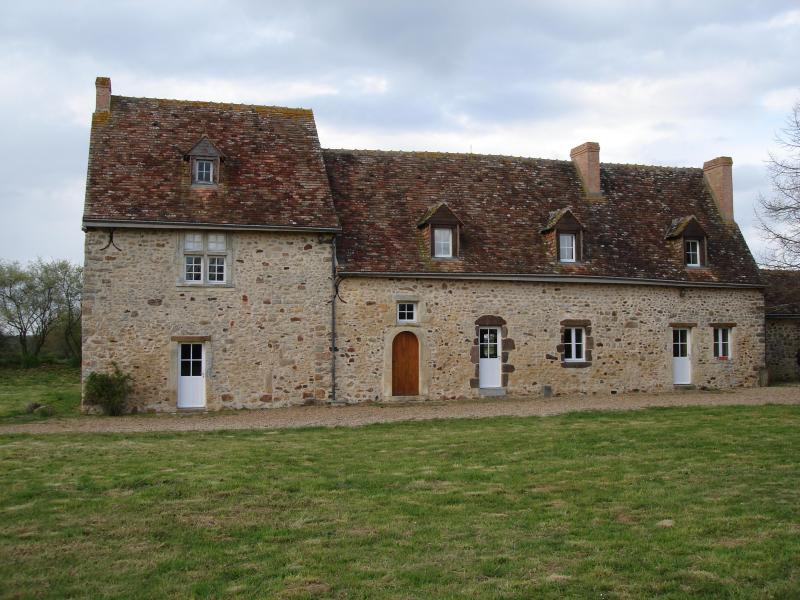 DSC00872.JPG - Charming and Comfortable French Country Property! - Brulon - rentals