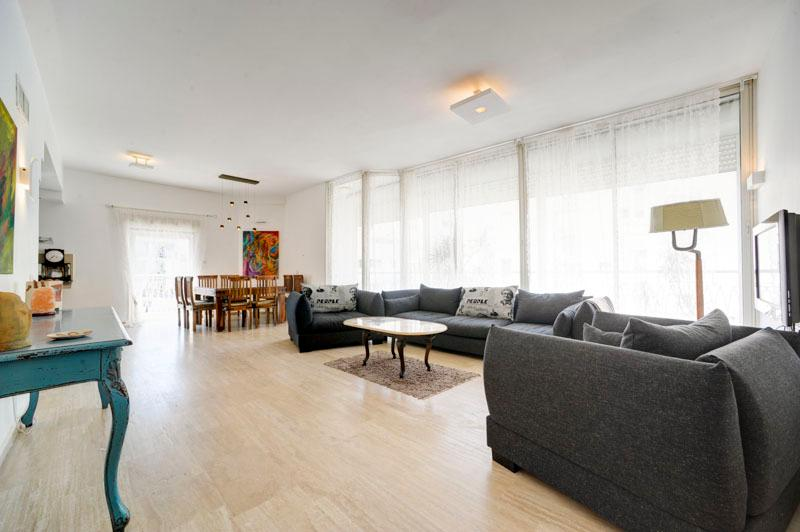 gordon beach  Luxurious 3BR Penthouse W/Parking - Image 1 - Tel Aviv - rentals
