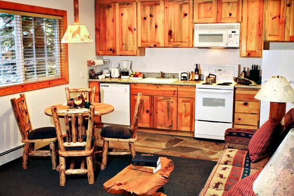 Kitchen Dining - Right on lake with fireplaces, outdoor hot tubs - Tahoe Vista - rentals