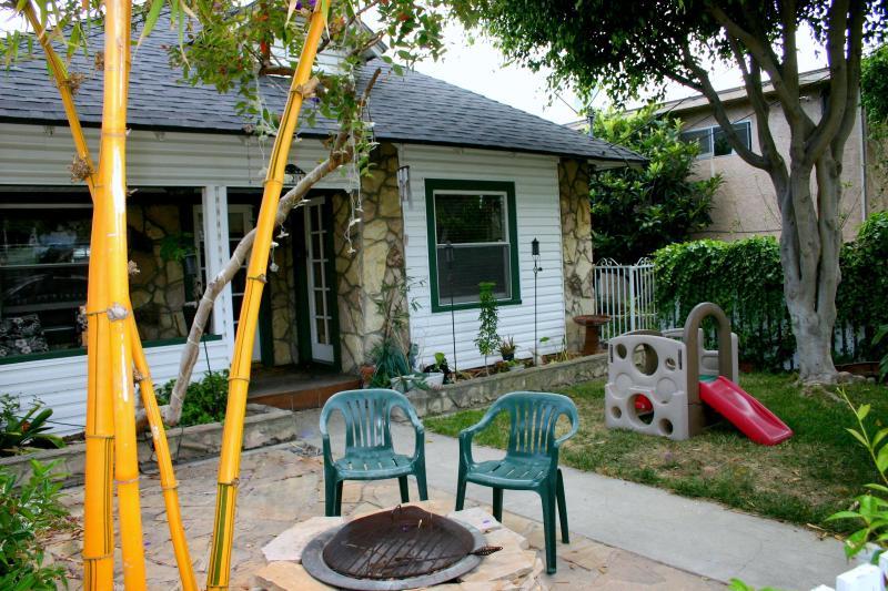 Cal Beach Cottage 2 bedroom 2 bathroom by beach - Walk to Redondo Pier, classic beach cottage - Redondo Beach - rentals