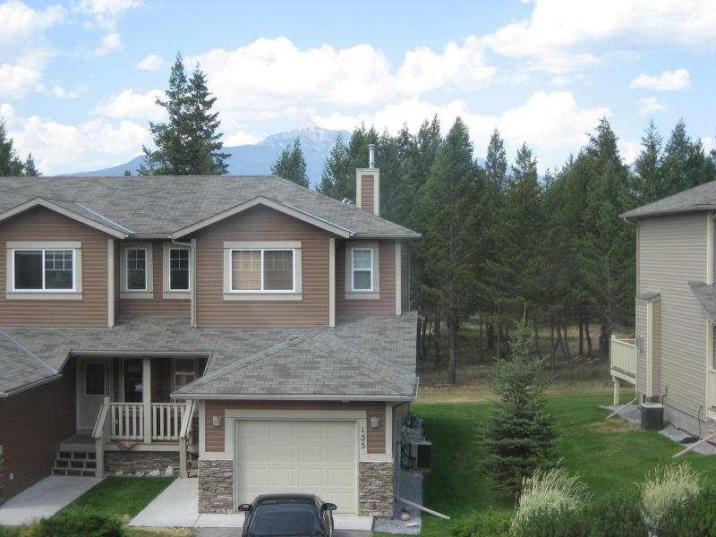 "Beautiful Townhome in Magnificent Setting - Large Eagle Crest Townhome located on ""The Springs 'Golf Course - Radium Hot Springs - rentals"