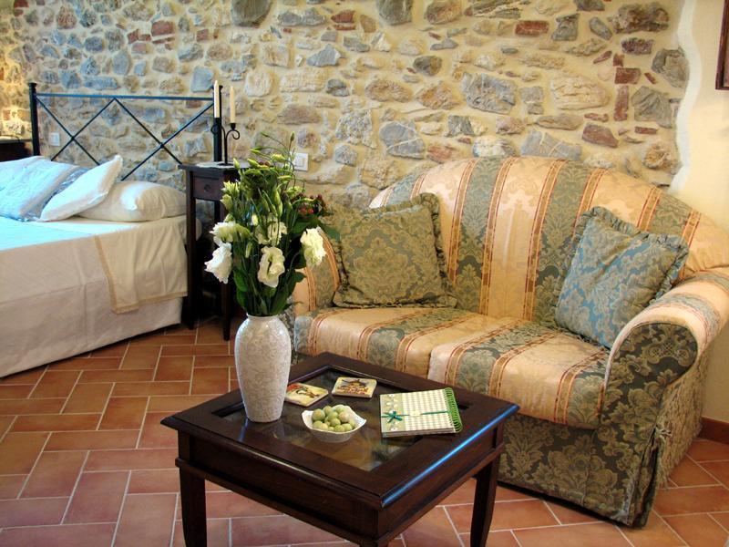 The bedroom - Casina di Rosa - cosy home in a village in Tuscany - Civitella Marittima - rentals