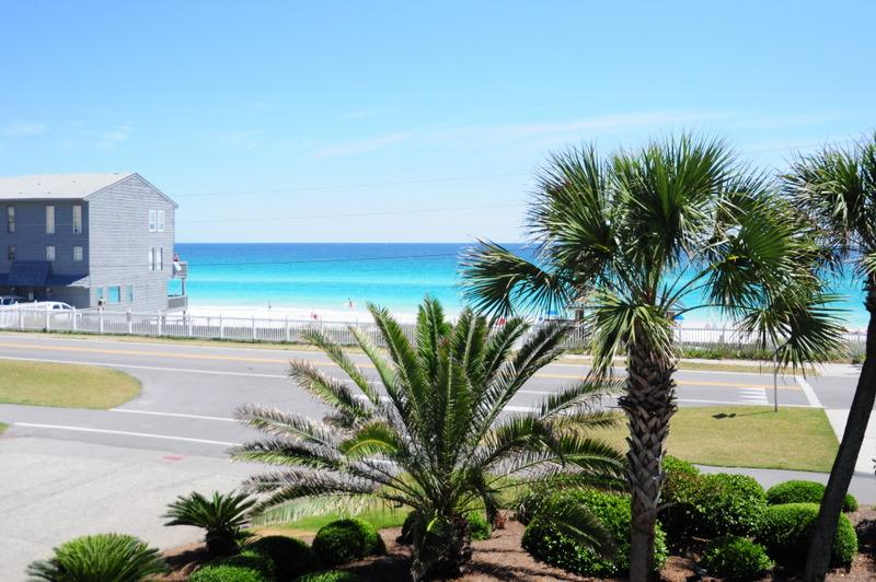 Gulf Winds #9 **DISCOUNTED SPRING RATES - EMAIL US TODAY***NEW FLOORING, FRESHLY PAINTED, NEW UPGRADES** GREAT UNIT, JUST STEPS TO THE BEACH. - Image 1 - Destin - rentals
