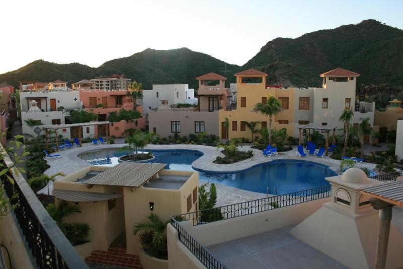 The community pool right outside our door - Romantic Baja getaway in Loreto Bay - Loreto - rentals