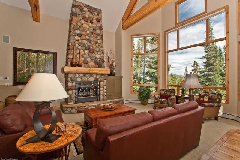 Great Room with views of Mount Baldy - Luxury, Upscale 6 BR Ski in/out, private Hot tub - Breckenridge - rentals