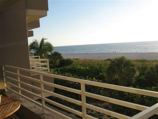 oct09%20020 - Somerset 213 Beautiful Beachfront  2br 2bth - Marco Island - rentals