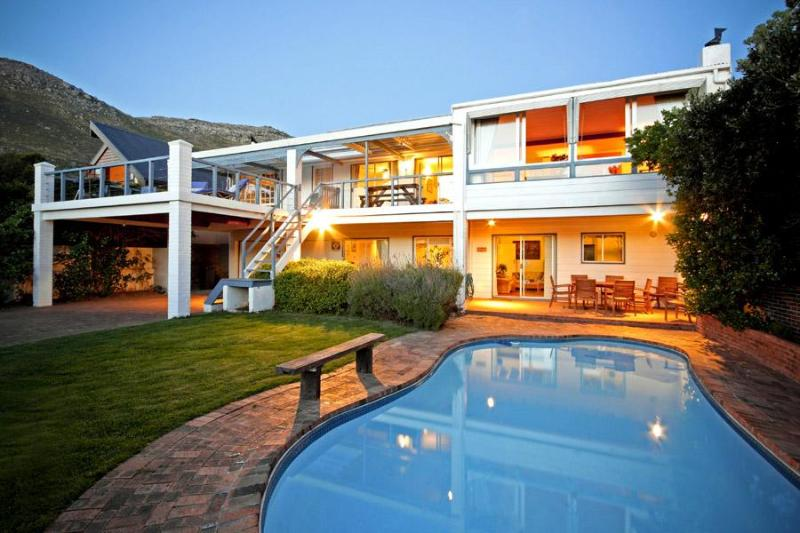 Pool and front of the villa - Atlantic Dream Beach Villa Scarborough Cape Town - Scarborough - rentals