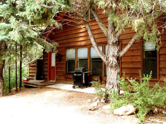 Summer scene front entrance - El Salto Guest Cabin - Taos - rentals