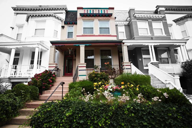 Front Entrance - Elegant town house near National Mall/ U ST - Washington DC - rentals