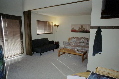 Living room - Mammoth View Villas, Near Village, Low Rates - Mammoth Lakes - rentals