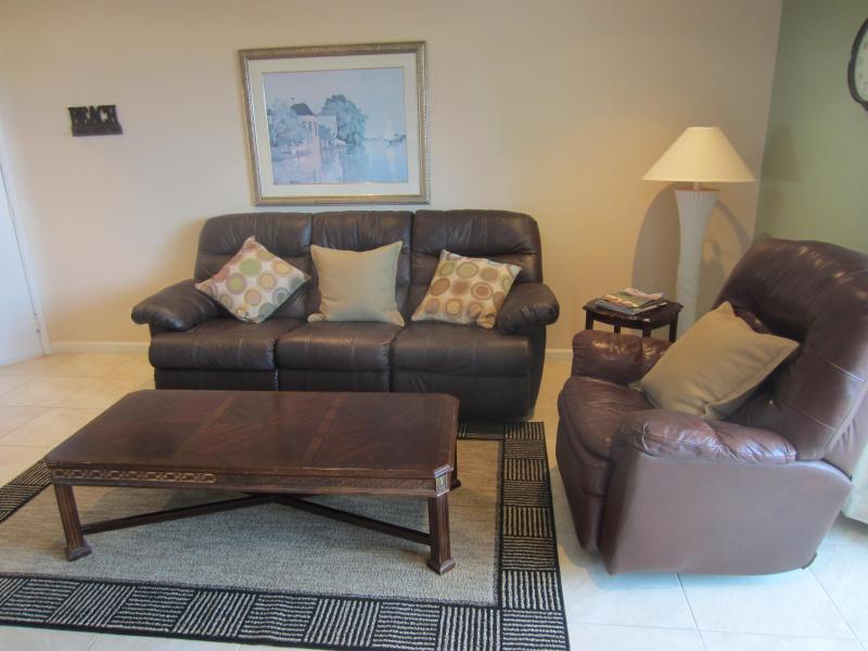 Comfortable Living Room - Carpinteria, CA. Beachfront 2 BR Condo - Carpinteria - rentals