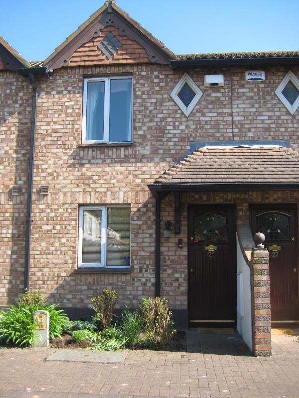 Front of House - House in Tranquil Location Near Dublin City Center - Dublin - rentals