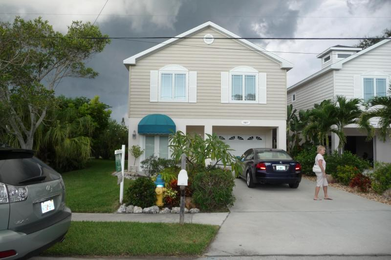 3 Bedroom 2 Bath with Large Garage - Beautiful Home 1 Block to the Gulf on Spring Lake. - Holmes Beach - rentals
