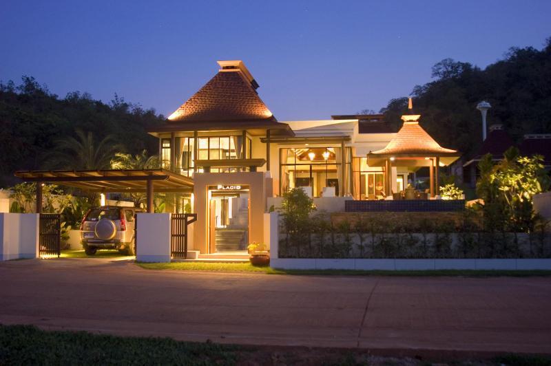Villa at night - Luxury 3 bed Pool Villa - Hua Hin - rentals