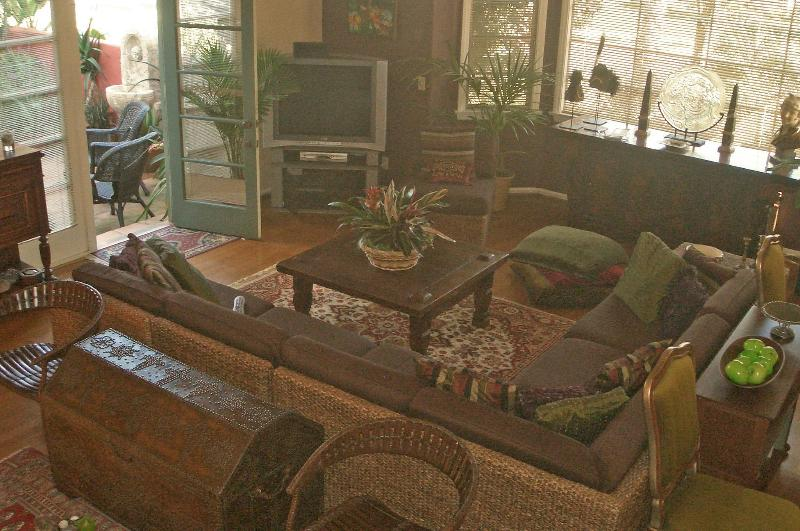 Living room with door to patio room.JPG - Spanish Mediterranean Luxury in quiet neigboorhood - Santa Barbara - rentals
