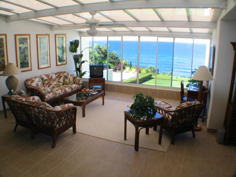 The enclosed atrium awaits your arrival and entry to our Kaui home - Kauai Condo - Spectacular Ocean and Sunset Views - Princeville - rentals