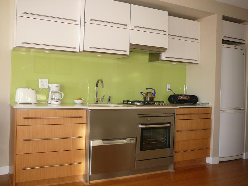 Kitchen - Modern Downtown Vancouver Studio Suite - Vancouver - rentals