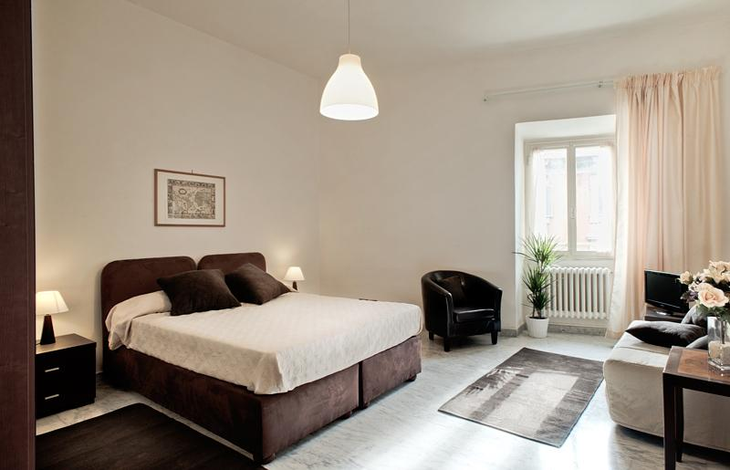 Master Bedroom - Vespasiano - Rome - rentals