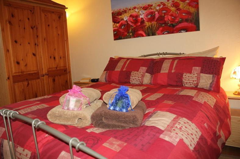 Visitlargs Lanico apartment bedroom - Largs Self Catering  (visitlargs.co.uk) - Largs - rentals