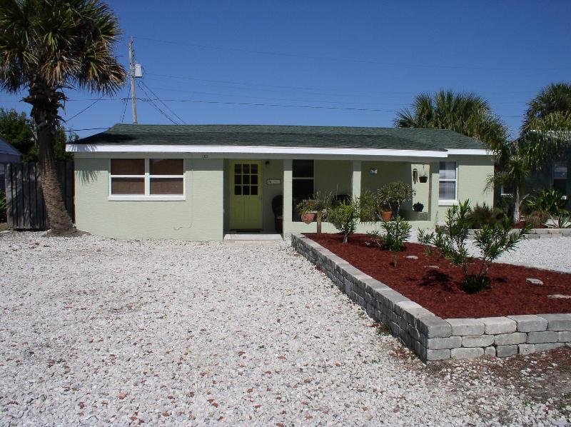 Large driveway with plenty space for parking - * Just 200 ft From the Beach, Pet Friendly Home!! - Ormond Beach - rentals