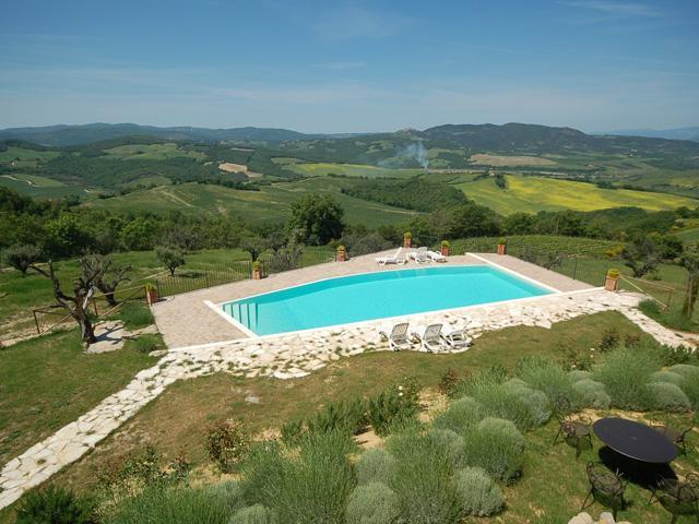 The pool from the main house - the views beyond go on for ever - Bellavista - Camelia - Radicondoli - rentals