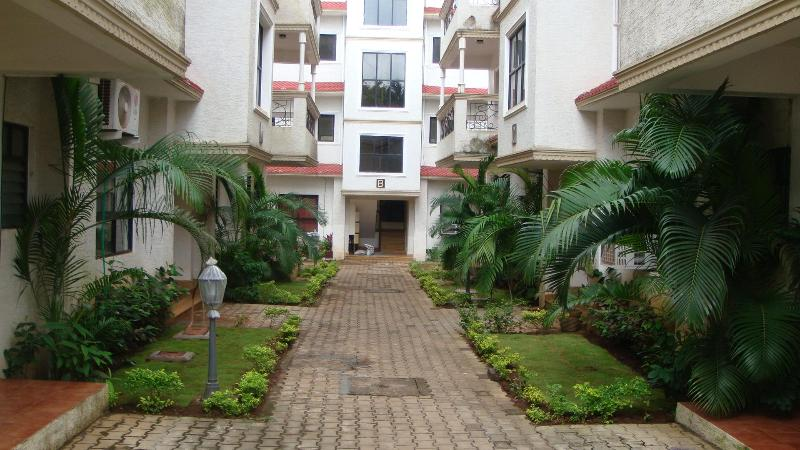 Front View of  Resort - Fully furnished - Two Room Appt. in Calangute, Goa - Calangute - rentals
