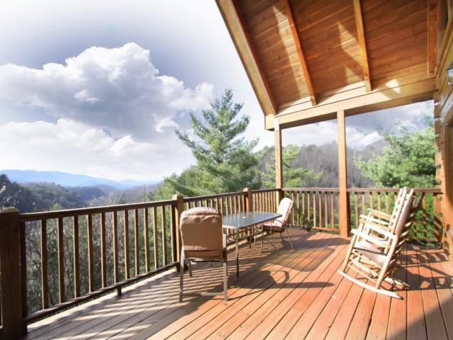 Heaven's View beautiful covered front porch! - ** Awesome Mt Views! Seclusion! Game Room- WIFI!** - Townsend - rentals