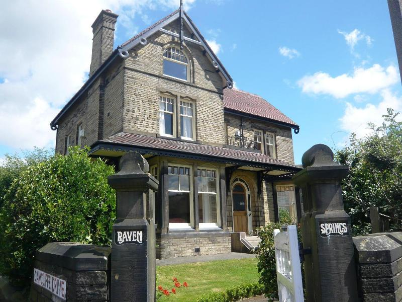 Grand and Unique Victorian Gentleman's Residence - Gorgeous Mansion House ideal for large groups - Leeds - rentals
