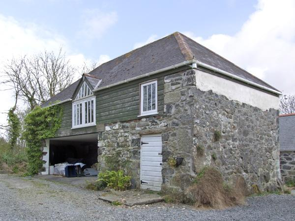 THE LOFT, romantic, country holiday cottage, with a garden in St Keverne, Ref 3998 - Image 1 - Saint Keverne - rentals