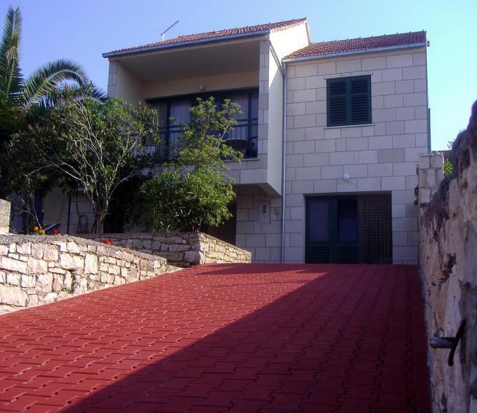 house exterior - 4+1 apt. with sea view in heart of Lumbarda - Lumbarda - rentals