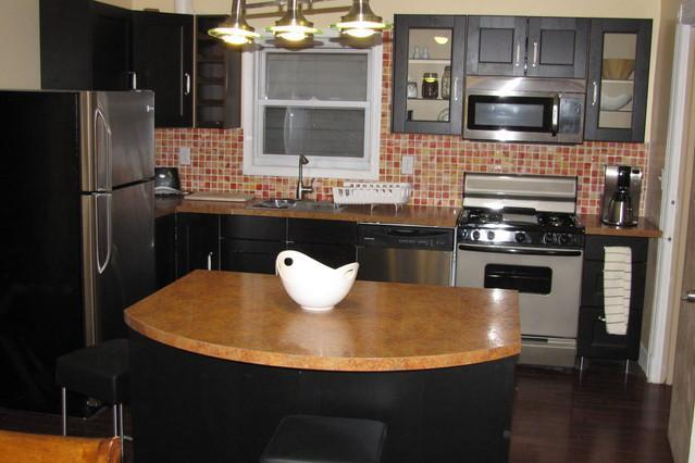 Kitchen - NYC across the river 3 bedrooms/2bath apartment - Union City - rentals