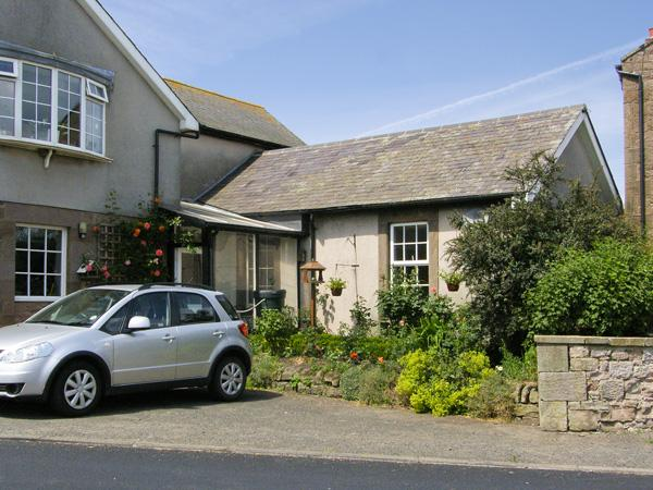 IVY COTTAGE, pet friendly in Chathill Near Beadnell, Ref 4158 - Image 1 - Chathill - rentals