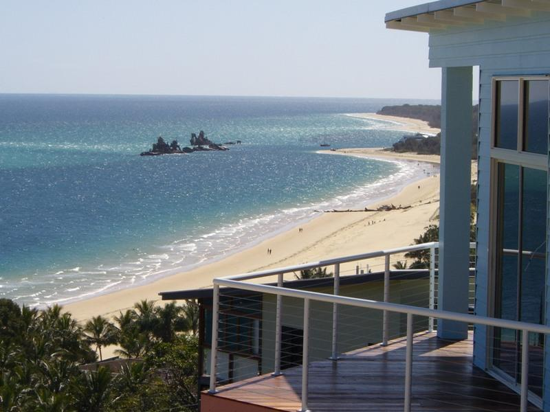 Views to Moreton Bay from the Blue Ocean View Beach House - Blue Ocean View Beach House - Tangalooma - rentals